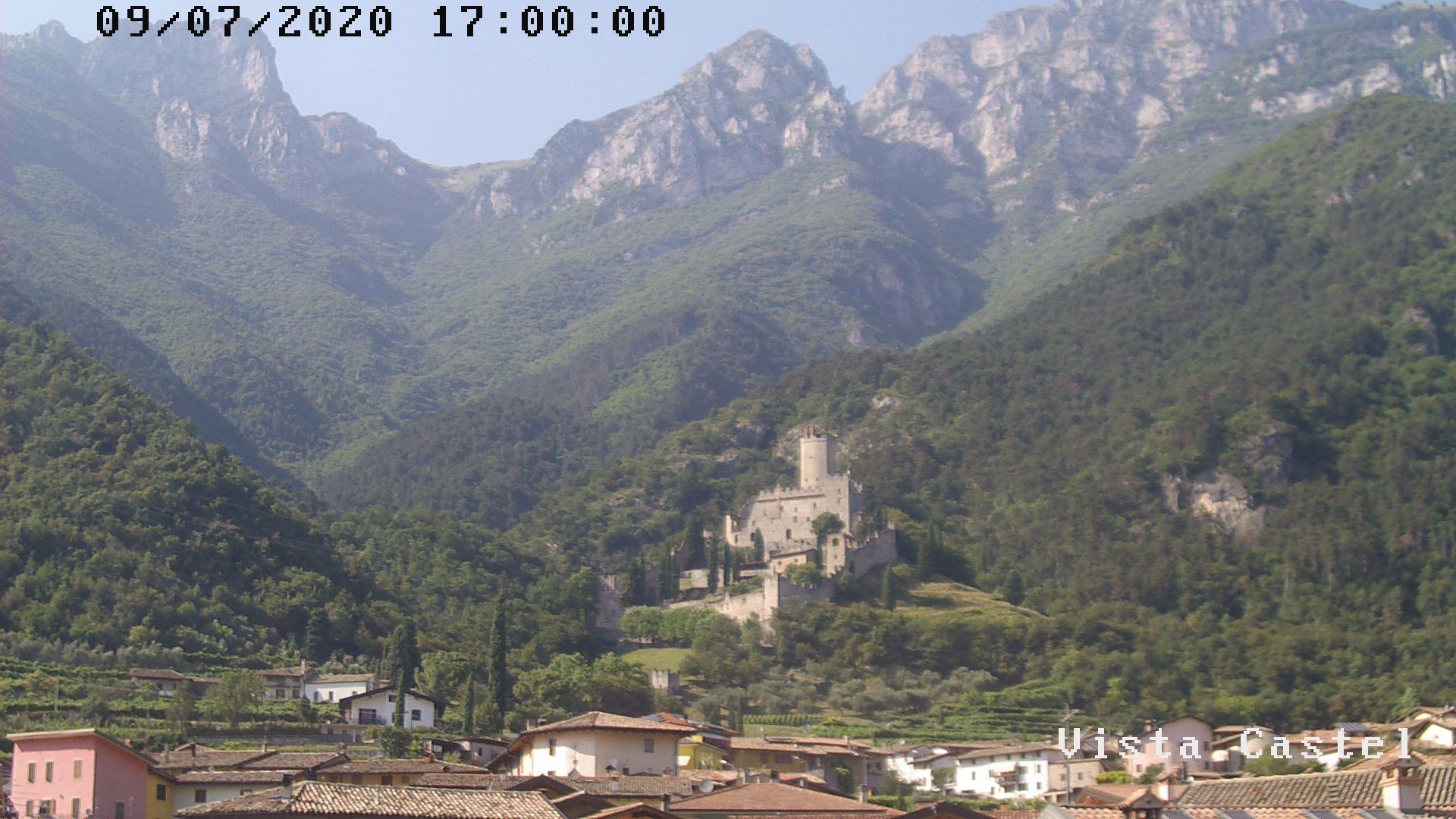 Vista castello di Avio